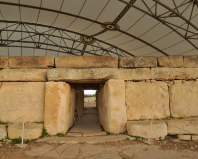 Hagar Qim Temples Heritage Malta - MaltaDiscountCard - Visit Malta and Gozo Tourist guide restaurants attractions history diving and more. Malta map discount pass for holiday in sunny weather