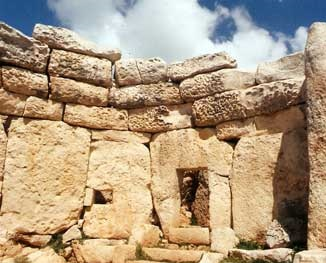Prehistoric Temples Tour - MaltaDiscountCard - Visit Malta and Gozo Tourist guide restaurants attractions history diving and more. Malta map discount pass for holiday in sunny weather